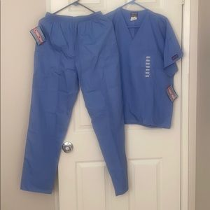 New pair of scrubs small